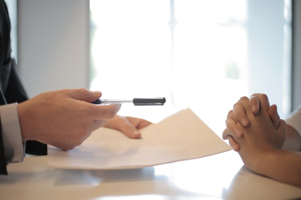 sign lease agreement